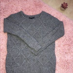 Gray Sweater. Comfy & cute!